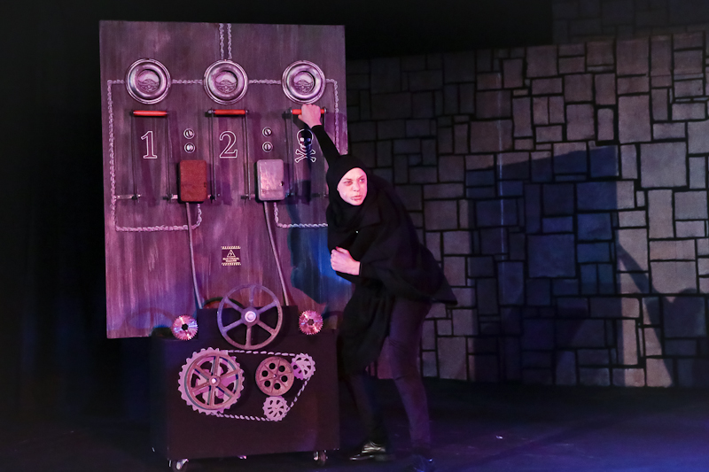 cambria-ca-cuhs-drama-production-young-frankenstein-0927